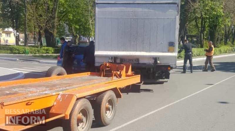 ДТП в Измаиле: на проспекте Суворова грузовик не пропустил Nissan