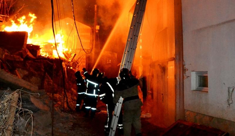 В Одессе в следствии масштабного пожара сгорело 15 дачных домов