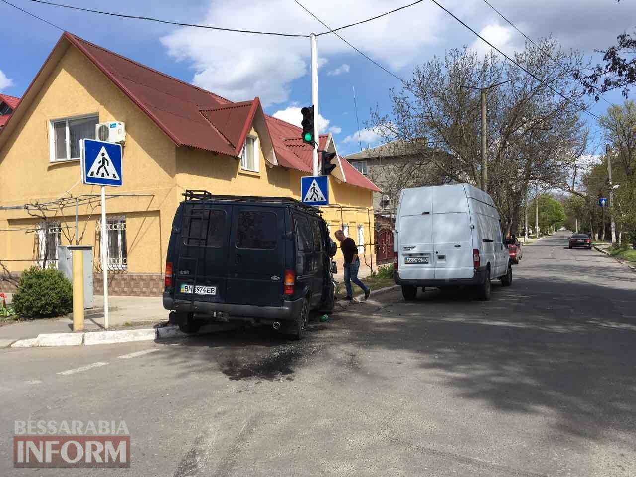 DTP-na-Belgorod-Dnestrovskoy Измаил: на улице Белгород-Днестровской очередное ДТП, есть пострадавшая