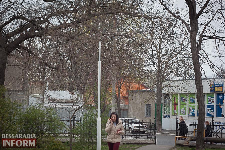 IMG_8702 Улицы разбитых фонарей: в Измаиле хулиганы портят элементы уличного освещения