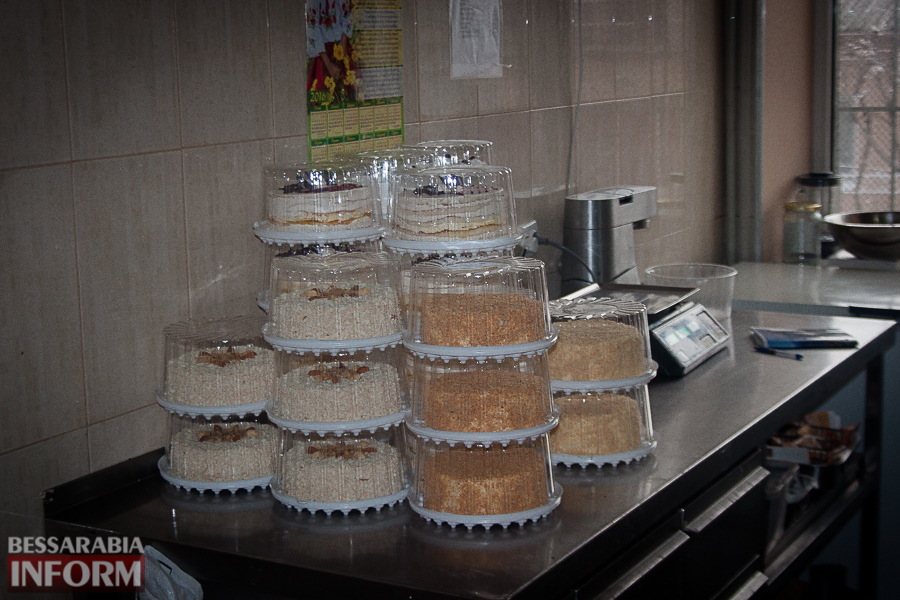 IMG_8840 Неделя до Пасхи: как в Измаиле пекут куличи на одном из крупнейших хлебокомбинатов