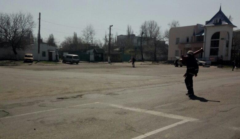 Невеселое 1 апреля в Аккермане: горела машина и бывший военный госпиталь