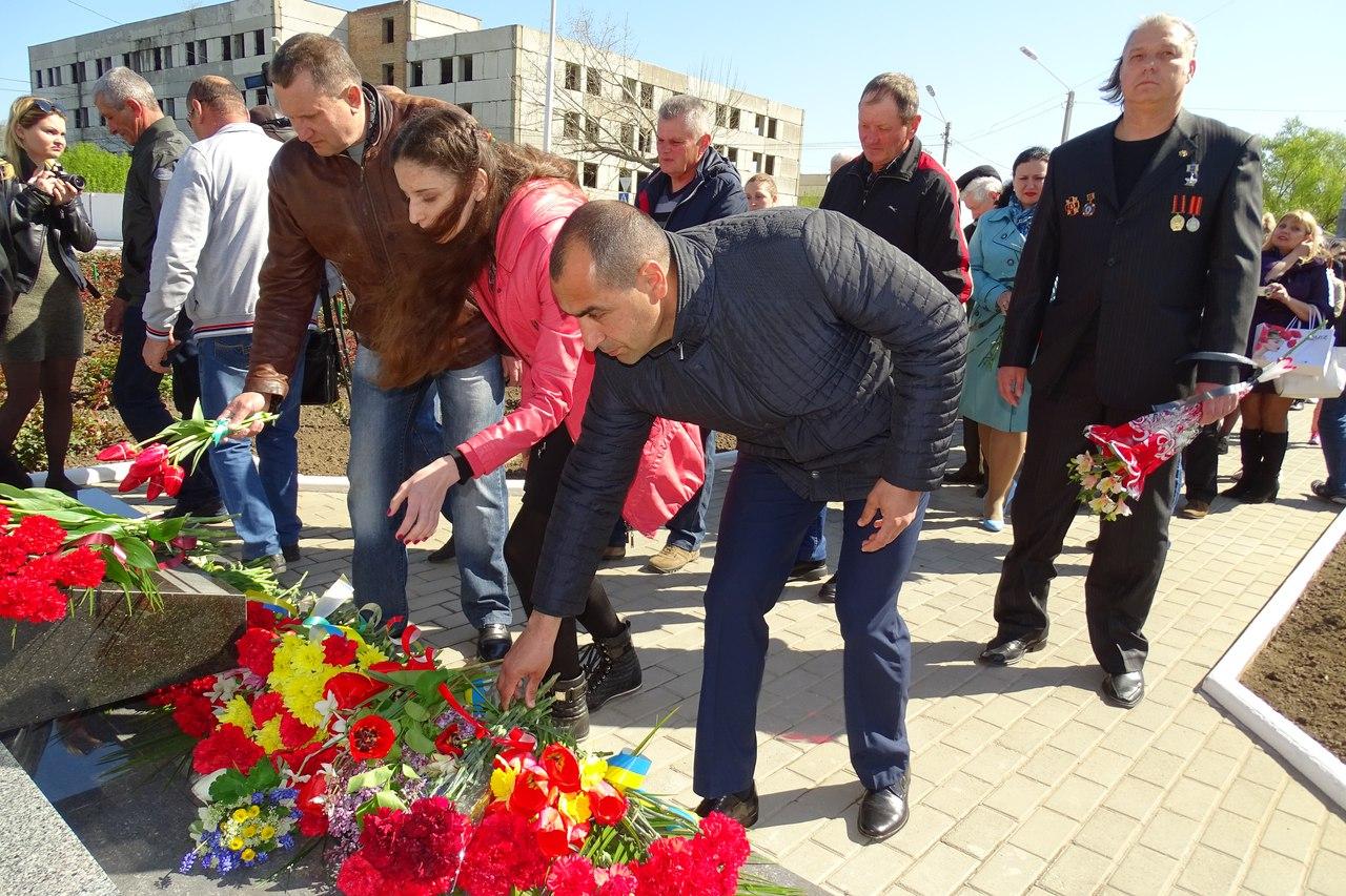 ZEDKKfl6-G8 31-я годовщина аварии на Чернобыльской АЭС: в Измаиле прошел памятный митинг