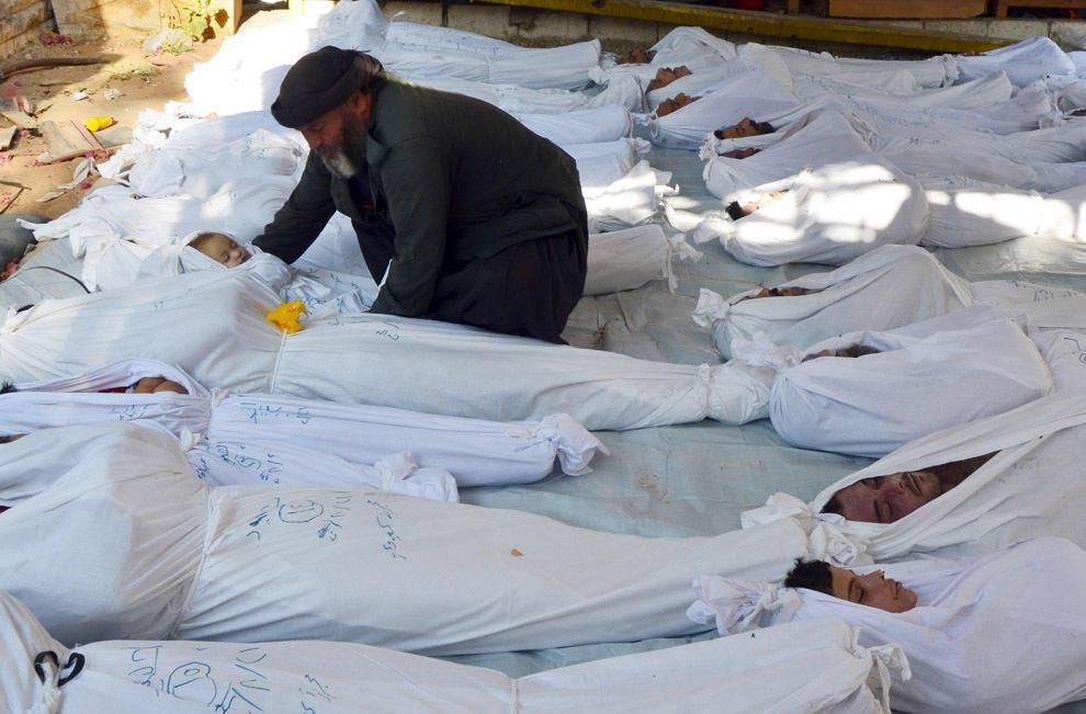 gazsiria02 В Сирии от газовой атаки погибло более 100 человек (фото, видео +18)