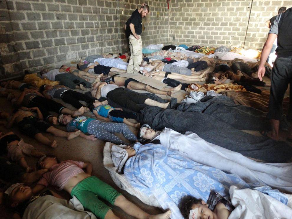 gazsiria03 В Сирии от газовой атаки погибло более 100 человек (фото, видео +18)