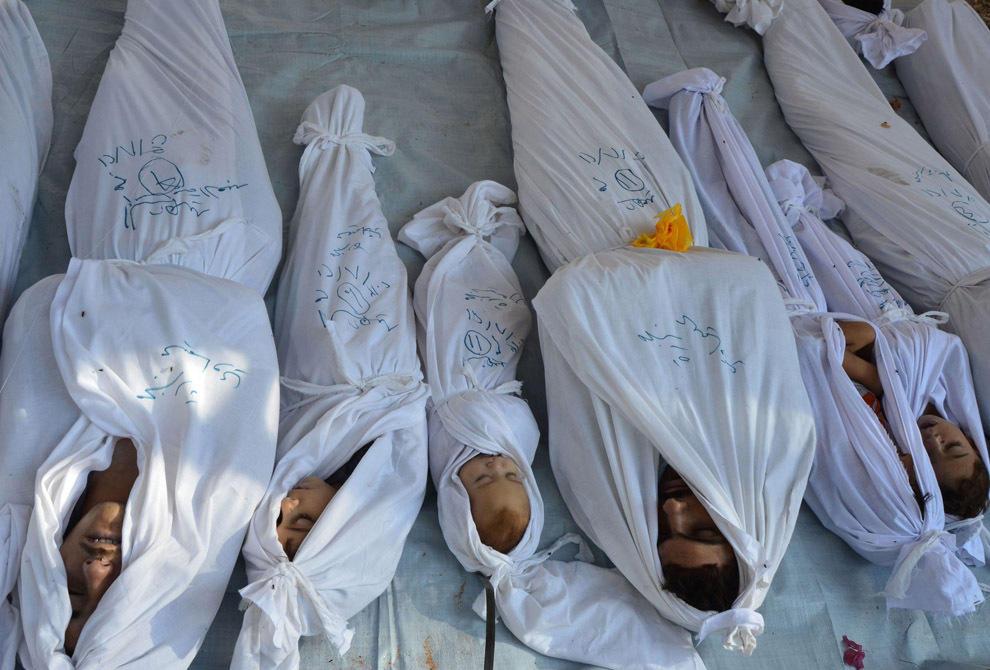 gazsiria05 В Сирии от газовой атаки погибло более 100 человек (фото, видео +18)