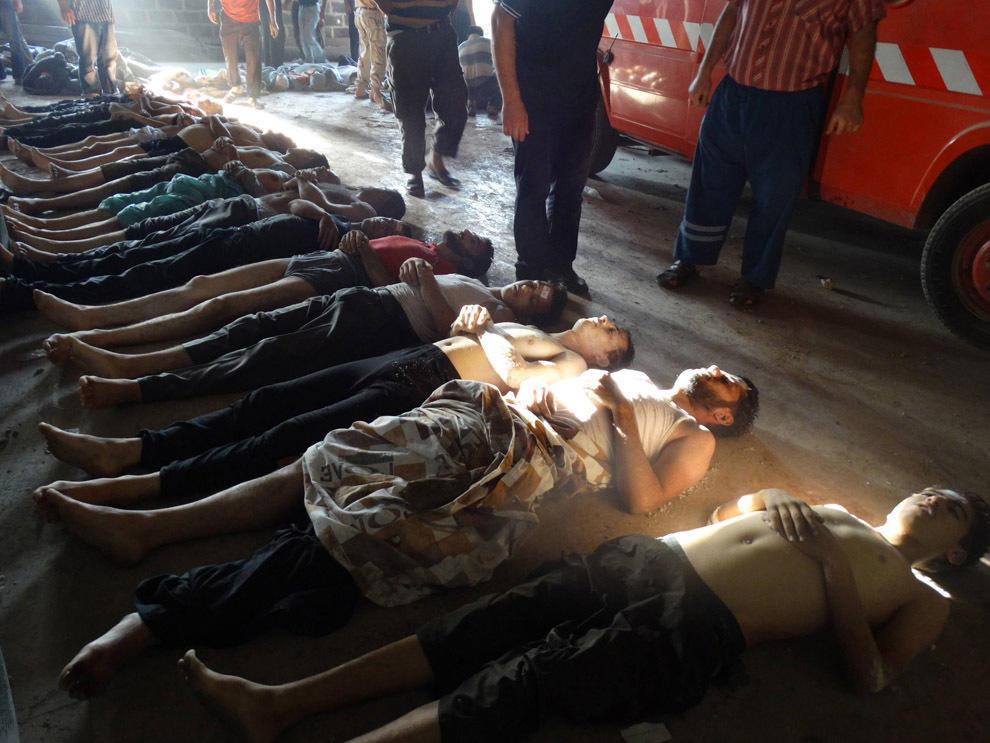 В Сирии от газовой атаки погибло более 100 человек (фото, видео +18)