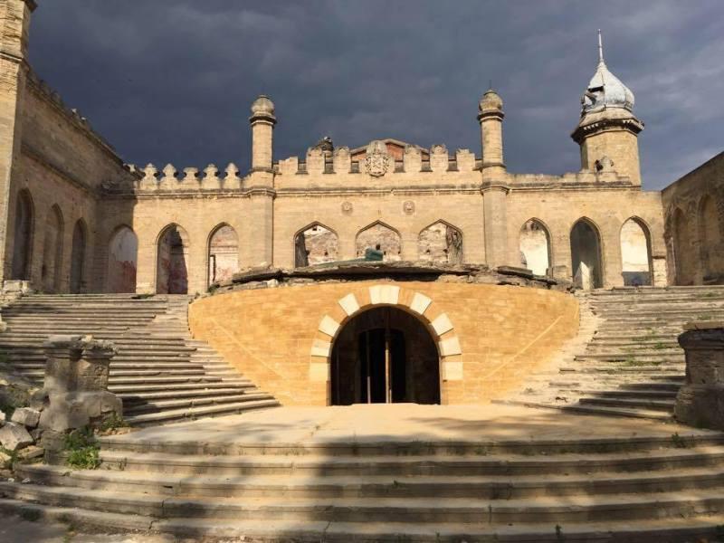 10394869_626168484194173_8887669847191778161_n #SOSмайбутне: Тарутинская степь и Дворец Курисов вошли в он-лайн реестр объектов, требующих немедленной помощи