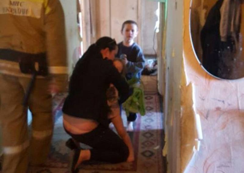В Белгород-Днестровском маленькие брат с сестрой поставили на уши соседей и спасателей