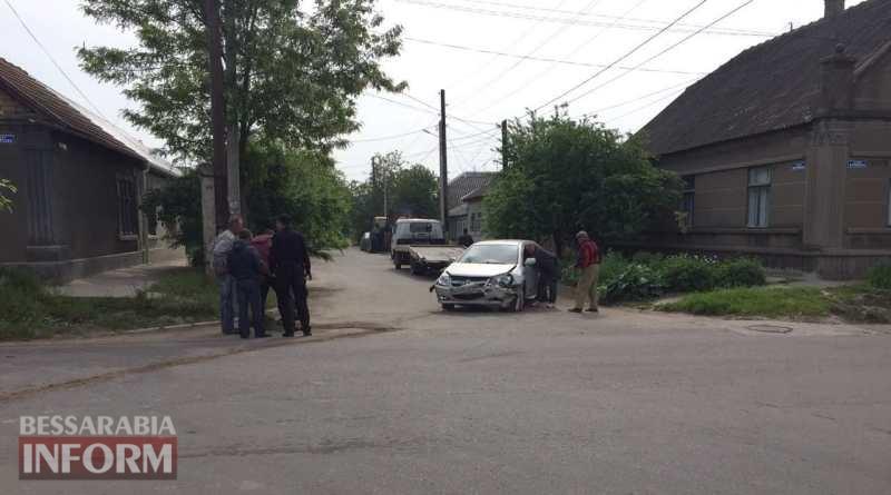 591563913a7d6_34634 В Измаиле автомобиль влетел в здание жилого дома