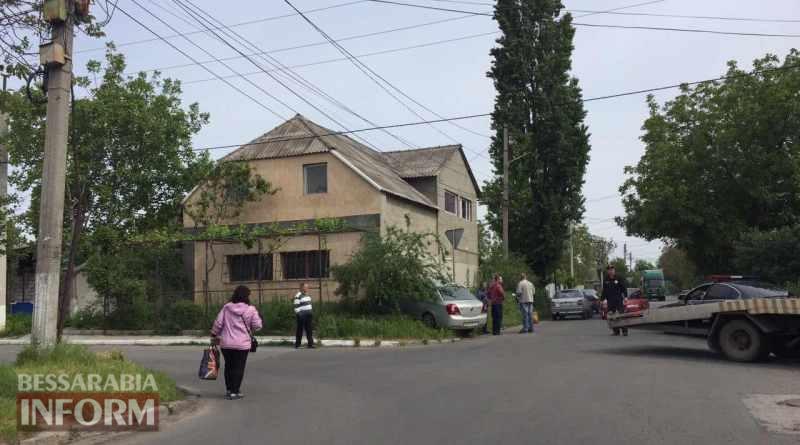 5915639146b7a_3246346 В Измаиле автомобиль влетел в здание жилого дома