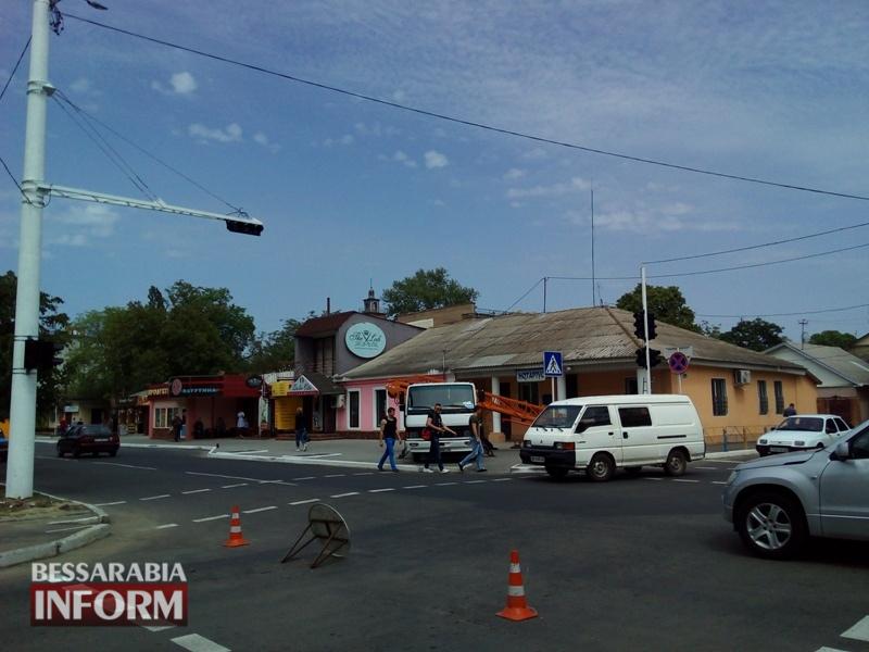 В Измаиле строят новые светофорные объекты и отремонтируют старые