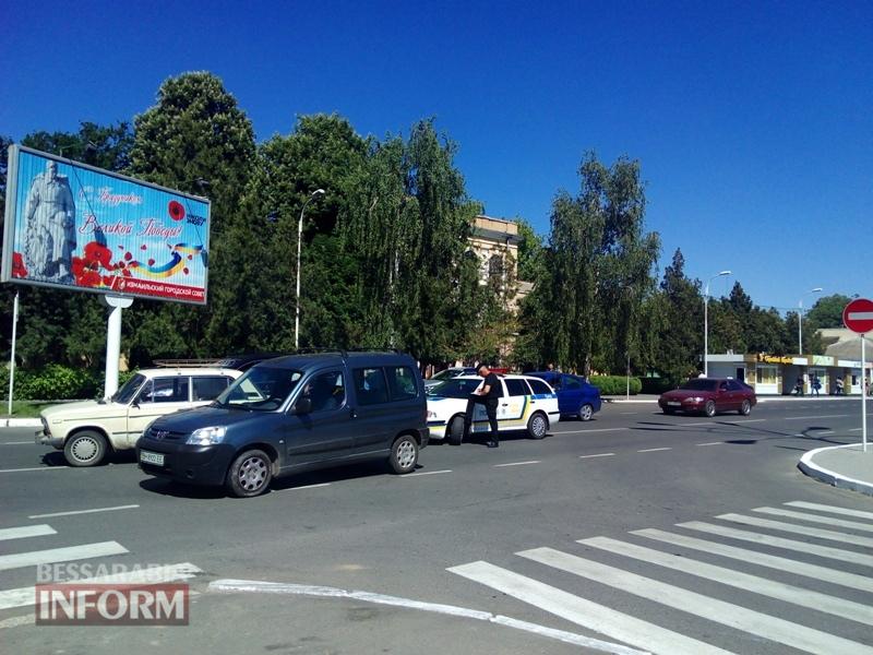 591eabb8a854a_IMG_20170519_105440 Утреннее ДТП на проспекте Суворва в Измаиле: ВАЗ не пропустил Peugeot