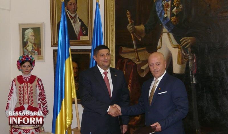 592817a554482_P1060344 Исторический день: сегодня состоялось подписание Соглашения о сотрудничестве между городом Измаил и уездом Тулча