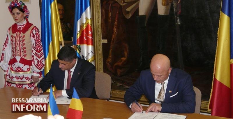 592818009ec5a_P1060339-1 Исторический день: сегодня состоялось подписание Соглашения о сотрудничестве между городом Измаил и уездом Тулча