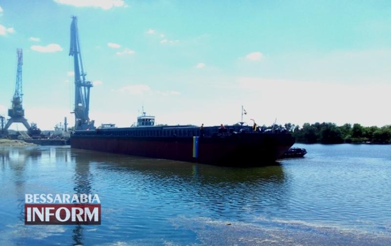 Прорыв в отечественном судостроении: в Килии спустили на воду уникальную баржу