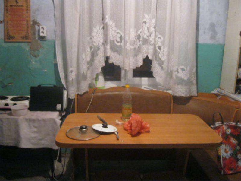 Белгород-Днестровский р-н: в Шабо ревнивый муж едва не убил жену кухонным ножом