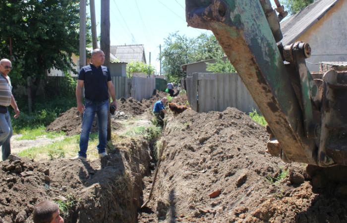 c780b501ac32e444e590d10959ff786a В Болграде ведутся работы по реконструкции кровли в детском саду и замене участка водопровода