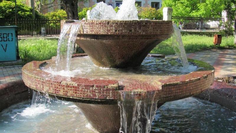 material-1494920695133-name-1494920695135 В Аккермане заработал фонтан в Михайловском сквере