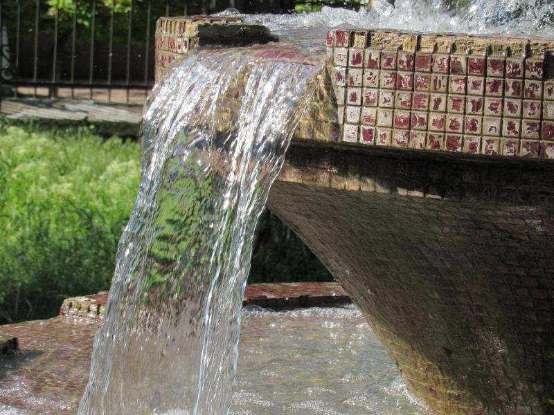 material-1494920695133-name-1494920737239 В Аккермане заработал фонтан в Михайловском сквере