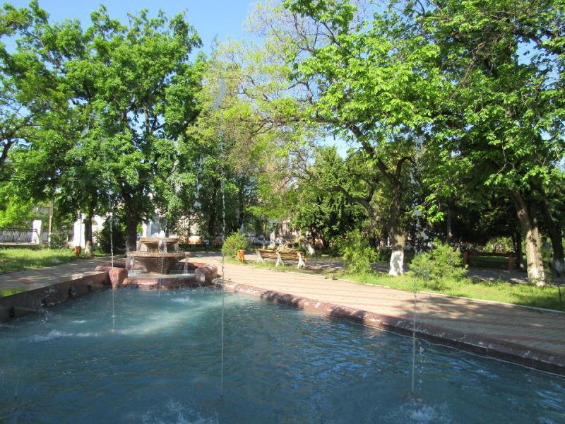 material-1494920695133-name-1494920748668 В Аккермане заработал фонтан в Михайловском сквере