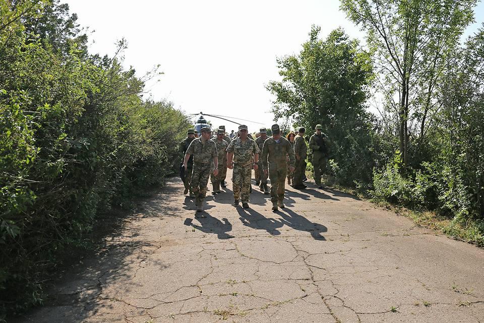 19366352_778772305624441_3475250330167212806_n Министр обороны Украины Степан Полоторак посетил Болград и Арциз