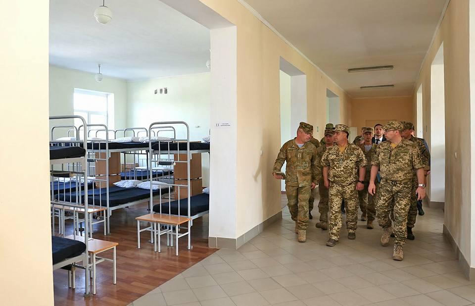 19396750_778777782290560_8761351035637350935_n Министр обороны Украины Степан Полоторак посетил Болград и Арциз