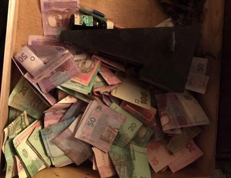 В пункте пропуска «Маяки-Удобное-Паланка» таможенники вымогали деньги за ввоз машин на иностранных номерах