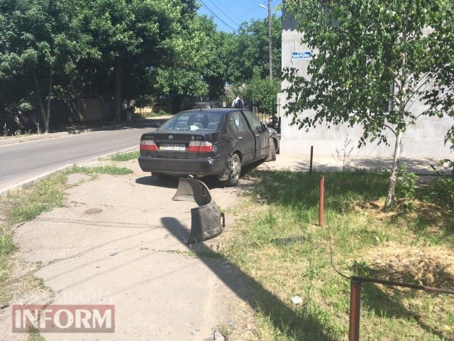 59315bb33374f_23463462346234 ДТП в Измаиле: дорогу не поделили Ford Tranzit и Nissan Primera