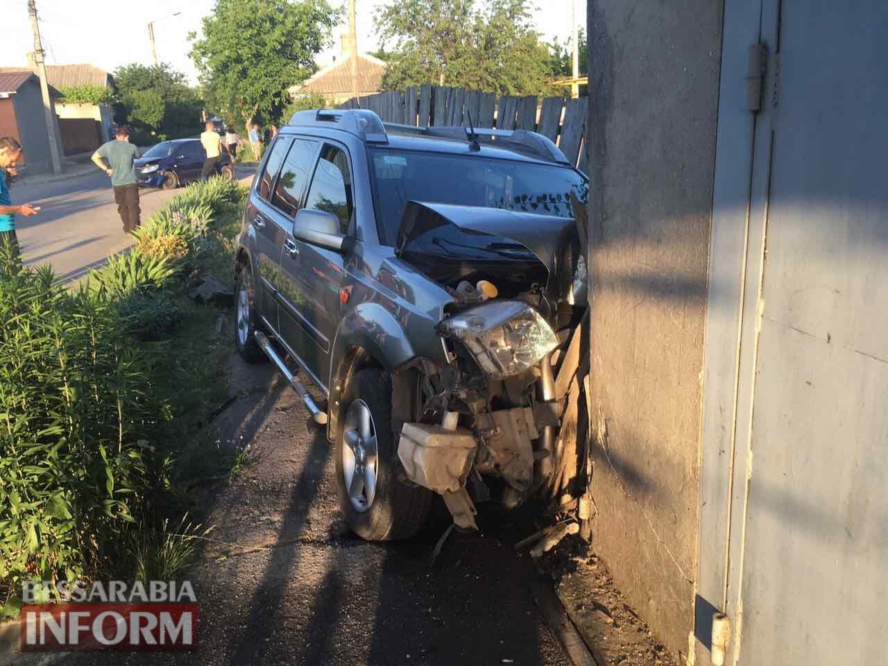 В Измаиле в результате столкновения двух автомобилей пострадала девушка