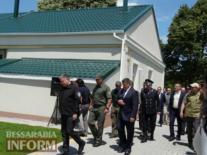 В Измаиле 9 семей пограничников получили квартиры: ключи вручал лично министр МВД Аваков