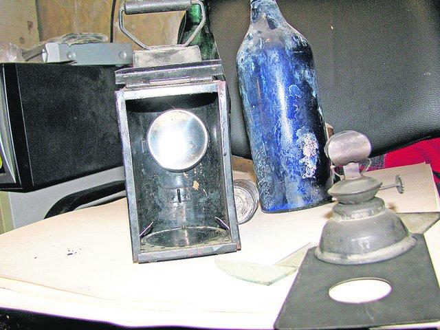 Одесский диггер из артефактов, найденных в катакомбах, собрал солидную коллекцию