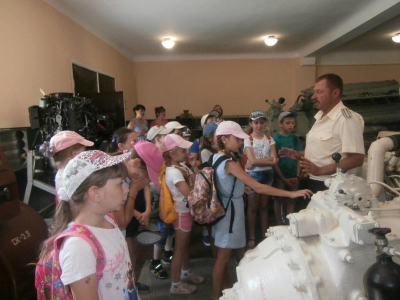 """Измаил: младшеклассники посетили морской пограничный """"альма-матер"""""""