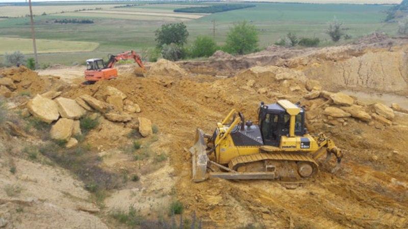 PM843image003 В Саратском районе выявили нелегальный карьер по добыче песчано-гравийной смеси