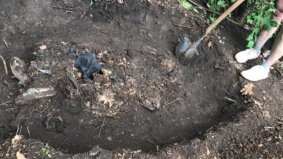 В поле в Беляевском районе нашли убитой женщину, которая уехала на свидание и пропала без вести