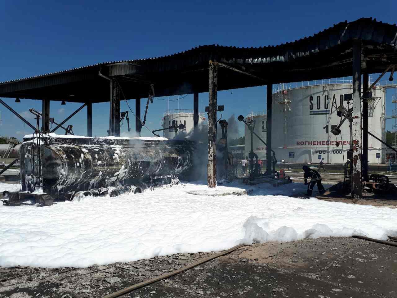 0-02-05-a59a2c29c825c406c1e162891a9d8fe4a71cc9622409b1f490df7e073ee38de4_full Одесские спасатели ликвидировали масштабный пожар на нефтебазе
