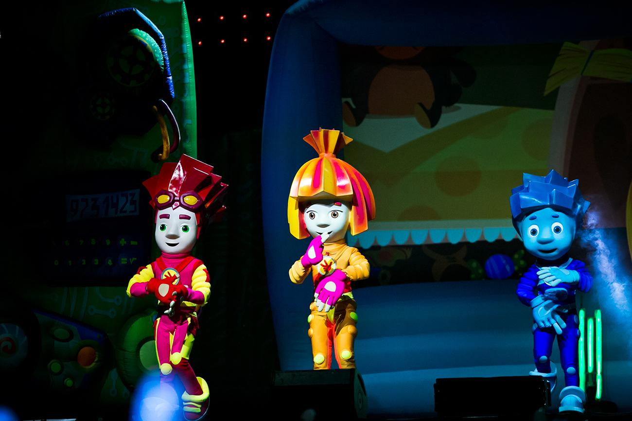 01-fixishow3 Маленьких измаильчан приглашают на премьеру «Фикси Шоу - 3. Спасатели времени»