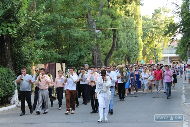 Ренийских выпускников чествовали на общегородском празднике