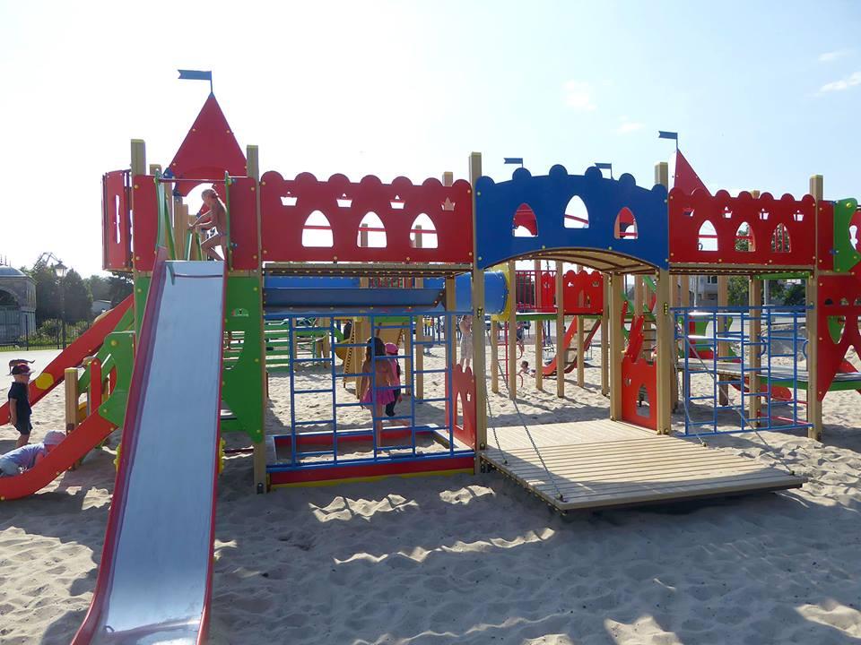 20155727_1882186635438828_9106365902294530011_n Измаил: на набережной в Крепости открылась детская площадка
