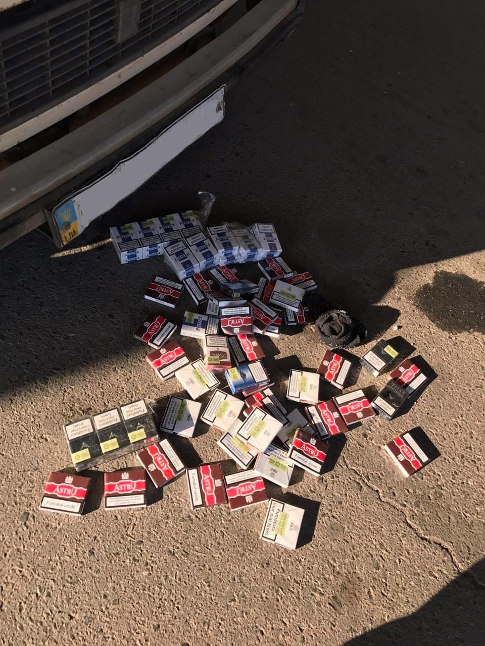 Не перехитрил: из-за 89 пачек контрабандных сигарет гражданин Молдовы оставил автомобиль