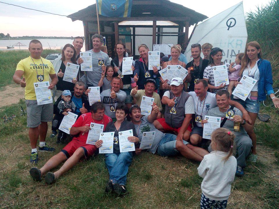 23 В Сергеевке ветераны-яхтсмены провели регату на детских парусниках