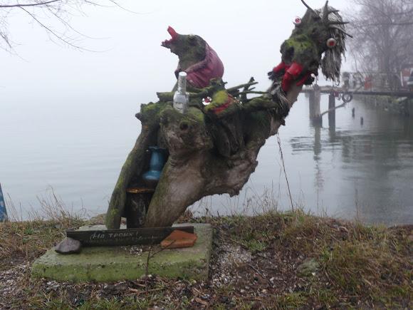 42 Добро пожаловать в «музей робинзонов»: аккерманские рыбаки нашли креативное применение хламу из лимана