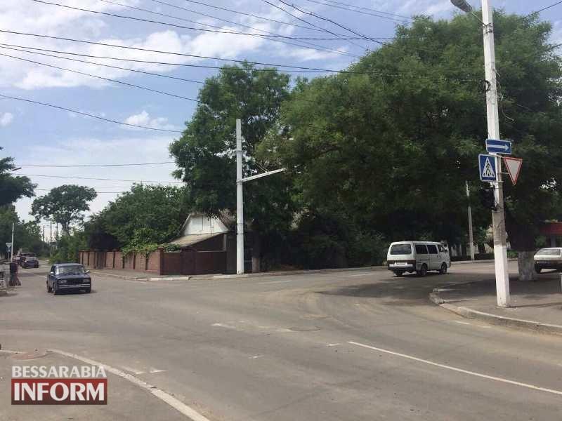 Измаил: на пересечении проспекта Суворова и улицы Некрасова строят новый светофорный узел