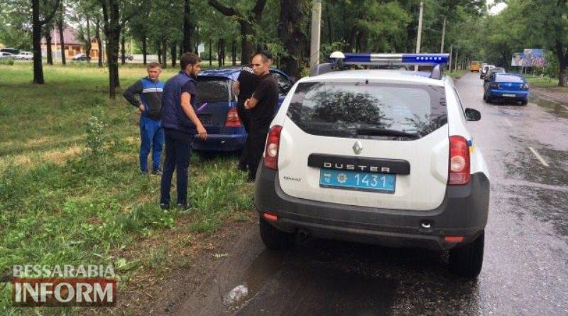 "595b5ef01d008_346346 В Измаиле на проспекте Суворова ""Mercedes-Benz"" влетел в дерево"