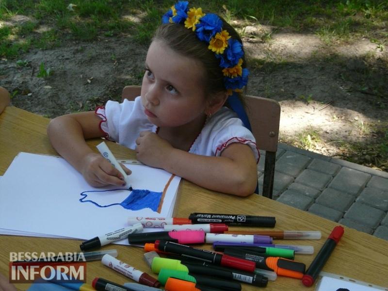5964bd78c390d_P1080377 Полон сквер патриотизма: всеукраинская акция «Велика українська хода» достигла Измаила
