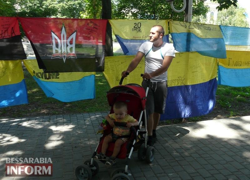 5964bdf6a6f0e_P1080392 Полон сквер патриотизма: всеукраинская акция «Велика українська хода» достигла Измаила