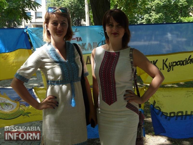 5964bdfa2dd2f_P1080395 Полон сквер патриотизма: всеукраинская акция «Велика українська хода» достигла Измаила