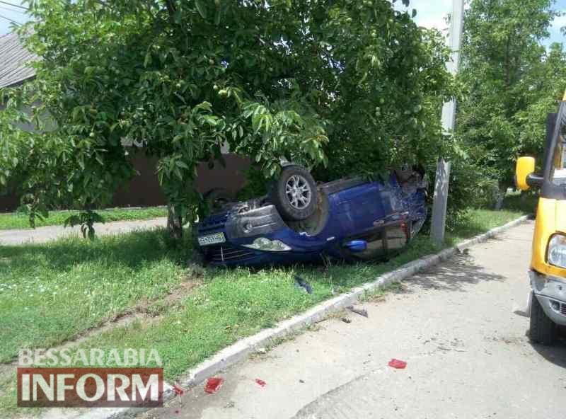 В Измаиле Ssang Yong протаранил два авто и перевернулся на крышу
