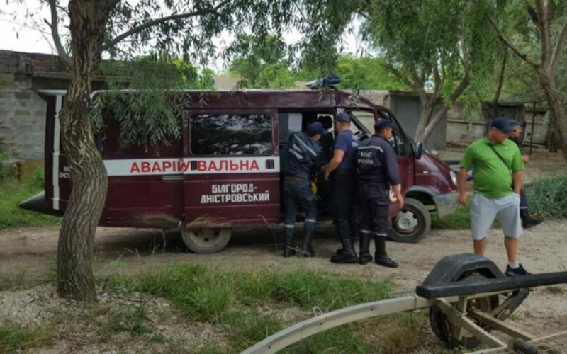 e4d3274b397975f265d4ea0332d44439 На Днестровском лимане двое пьяных мужчин перевернулись на водном скутере