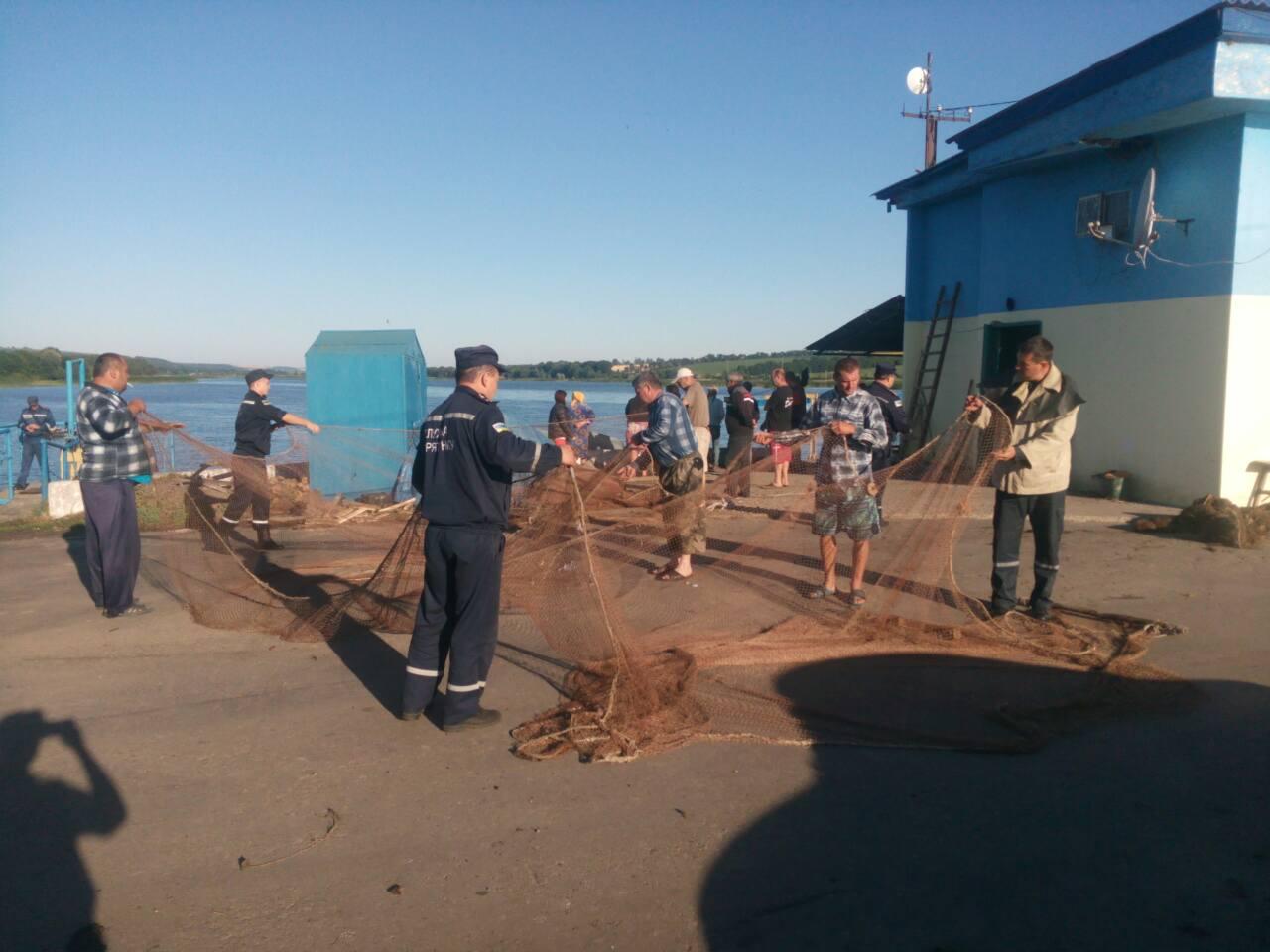 Одесская область: ночью во время прогулки на лодке утонули три сестры